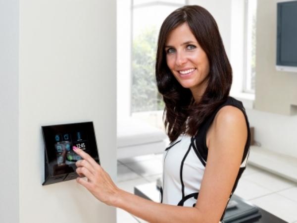2n ip videosprechanlage mit infomodul und rfid modul f r 1 familienhaus mit 3x7 innenstation is. Black Bedroom Furniture Sets. Home Design Ideas